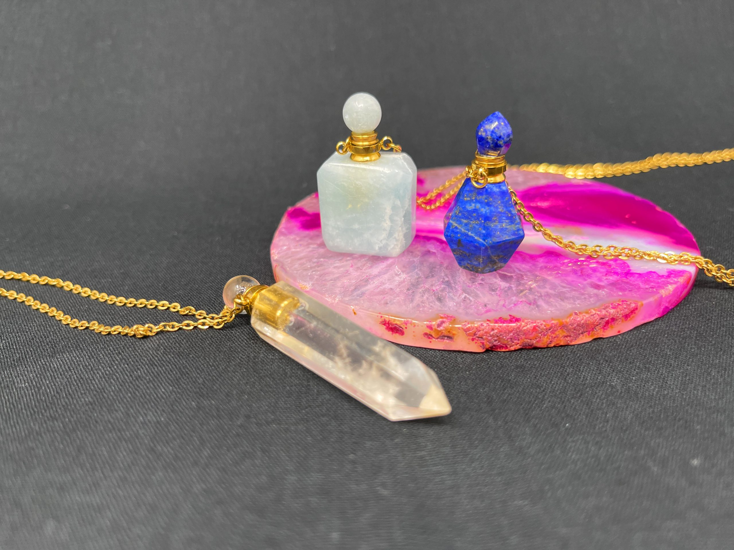 天然石の香水瓶